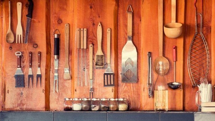 Barbecue utensils